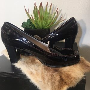 Michael Kors Patent leather loafer style heel